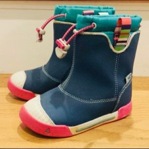 Keen Encanto Toddler Boots (size 9T)